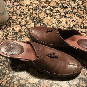 Ariat leather shoes size 7.5 comfy
